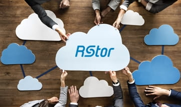 multipule people holding rstor cloud